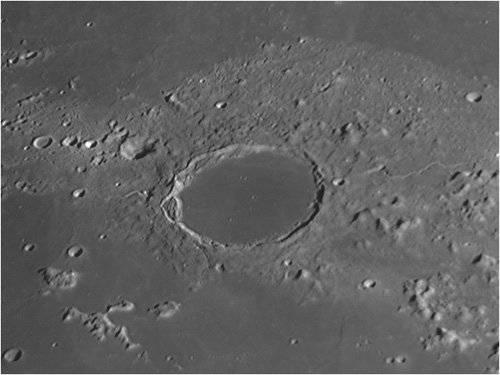 Cráter Platón