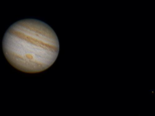 Imagen final: Júpiter y la GMR, abajo a la derecha su luna IO