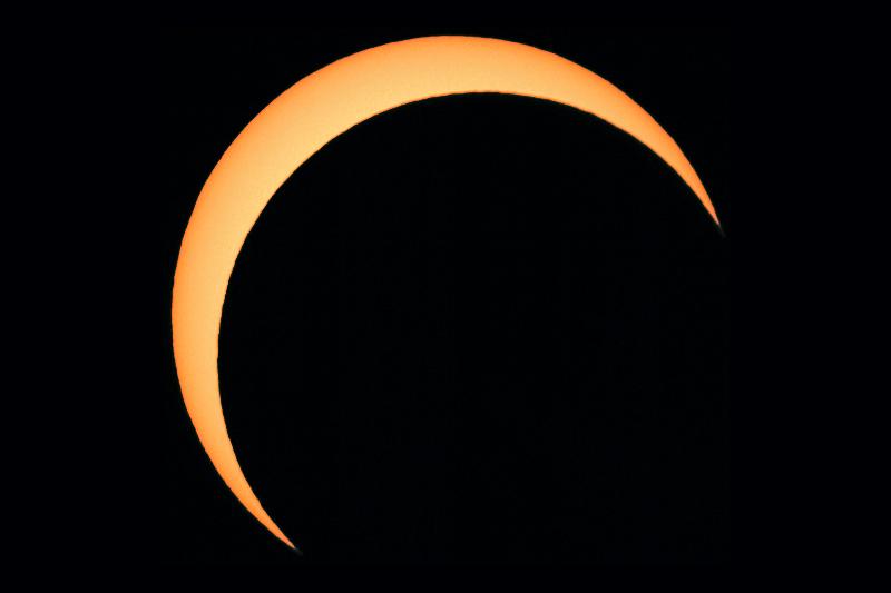 Eclipse parcial de Sol desde Barcelona (03-10-2005)
