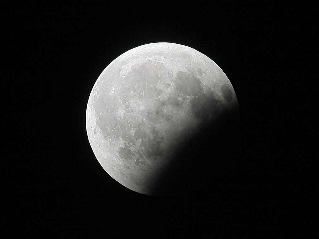 Eclipse parcial de Luna (2008)