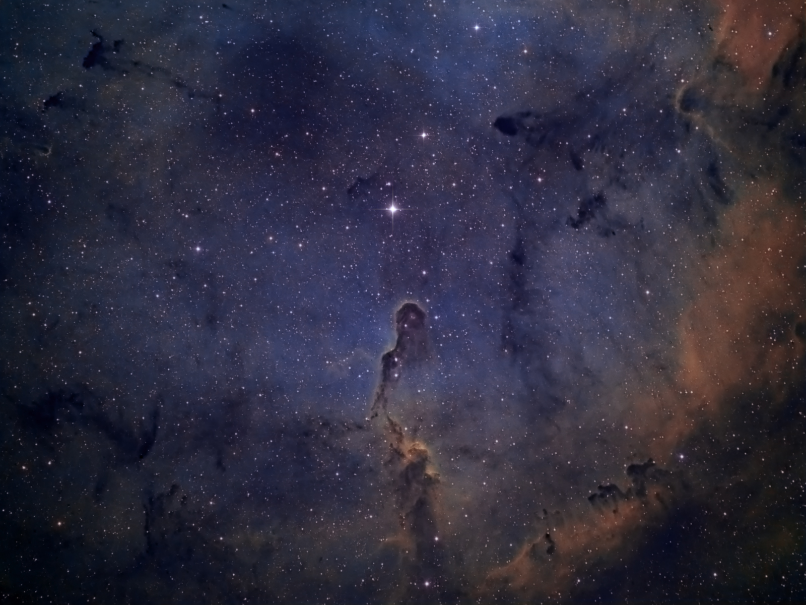 IC1396 – Elephant Trunk
